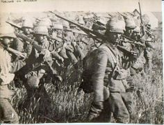 The Boer War ends -May 31 1902 The Boer Wars - Second Boer War - British Military - Britain vs South African Colonists (aka Boers) British Army Uniform, British Soldier, World History, World War, Family History, World Conflicts, Armed Conflict, Canadian History, African History