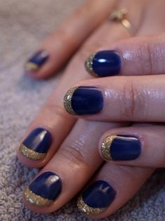 Navy blue and gold glitter nails - Beauty and fashion