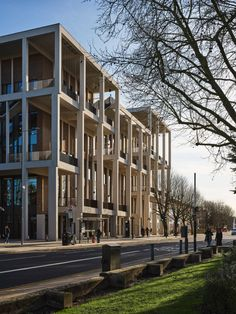 Grafton Architects completes colonnaded Town House at Kingston University Nook Architects, Tamizo Architects, Zaha Hadid Architects, Famous Architects, Architects Quotes, Studio Mumbai, Kingston University, London University, Architect Career
