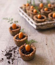 Carrot cookies pot - recettes de Pâques : cookies en forme de pot, garnis de ganache au chocolat, oreo et d'une carotte en pâte d'amandes