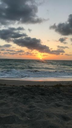 Pin By Lainy Sealesford On Hawaii In 2019 Ocean Wallpaper Beach Strand Wallpaper, Sunset Wallpaper, Wallpaper Backgrounds, Mobile Wallpaper, Wallpaper Quotes, Glitter Wallpaper, Iphone Backgrounds, Pink Wallpaper, Aesthetic Iphone Wallpaper