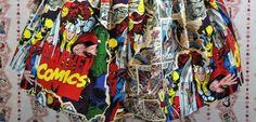 """As lojas Hot Topic e Her Universe revelaram uma nova linha de roupas em parceria com a Marvel baseada nos Vingadores da Marvel! Confira! A linha foi criada pela fundadora da """"Her Universe"""", Ashley Eckstein. As roupas vieram do desfilhe de """"Alta Costura Geek"""", apresentado na Comic-Con de San Diego em 2014. A linha tem …"""