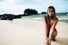 Beach babe Alana Blanchard in the Sunray top & hipster. Find your perfect summer bikini at shop.ripcurl.com! Photo by @davidmandelbergstudio