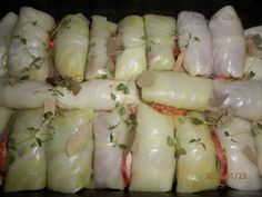 Autenticky ruské Golubsy/malé hrdličky - plněné zelné listy.. Chef Gordon Ramsay, No Salt Recipes, Garlic, Vegetables, Master Chef, Food, Detail, Cooking, Salt Free Recipes