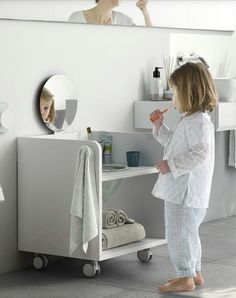 Smart Montessori Ideas For Baby Bedroom Montessori Bedroom, Montessori Baby, Bathroom Kids, Small Bathroom, Bathroom Cart, Boho Bathroom, Bathroom Vanities, Bathroom Interior, Baby Bedroom