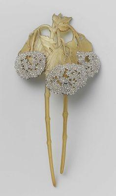 Хорн, Алмазный и усилитель;  Золото гребень Лалик 1900 .Found на rijksmuseum.nl