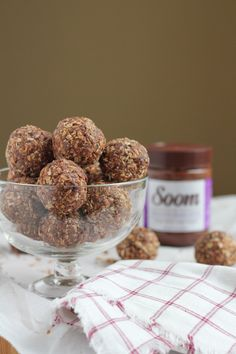 No-Bake Chocolate Sesame Butter Flaxseed energy bites! So EASY to make! Packed with ingredients that you can feel good about, these are just the burst of energy you need! #giveaway #energybites #nobake