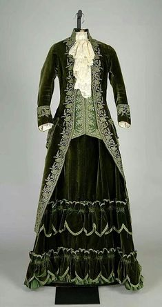 Silk pingat promenade dress 1888. Stunning!