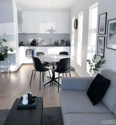 Beautiful luxury comfy living room designs for small spaces ideas 7 – fugar Small Apartment Design, Small Apartment Decorating, Apartment Interior Design, Small Apartments, Home Living Room, Apartment Living, Interior Design Living Room, Living Room Decor, Cheap Apartment