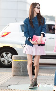 Steal's Yoona Look: It's The Time to Wear Pink Snsd Airport Fashion, Snsd Fashion, Asian Fashion, Fashion Beauty, Girl Fashion, Fashion Looks, Fashion 2014, Yoona Snsd, Airport Style