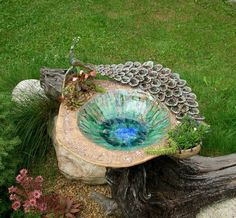New bird bath pottery bowls 43 Ideas Pottery Bowls, Ceramic Pottery, Ceramic Art, Sculpture Clay, Sculptures, Black Bird Tattoo, Bird Sketch, Pottery Designs, Pottery Ideas