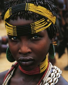 Portrait of Africa beautiful eyes Tribal People, Tribal Women, Cultures Du Monde, World Cultures, African Tribes, African Women, African Girl, Black Is Beautiful, Beautiful People