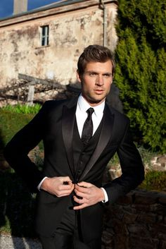 New Wedding Suits Men Groom Attire Black Tux 67 Ideas White Prom Suit, Black Suit Wedding, Wedding Men, Wedding Tuxedos, Wedding Groom, Wedding Attire, Bride Groom, Wedding Vintage, Trendy Wedding