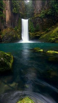 Toketee falls Oregon USA
