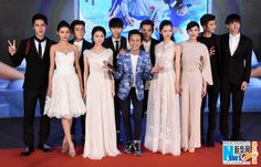 Director He Jiong, producer Huang Lei and cast members Li Yifeng , Zhang Huiwen, Jiang Jinfu and cast promote 'Gardenia Opens'.  The film is set to be released on July 10.  http://www.chinaentertainmentnews.com/2015/06/cast-from-gardenia-opens-attend-press.html
