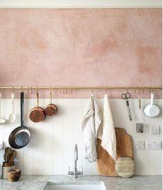 Living Idea: Setting up with the Pantone Spring Colors 2016 - Part Rose Quartz & Limpet Shell - Zimmergestaltung - Kitchen Interior, Kitchen Decor, Kitchen Storage, Kitchen Colors, Pink Kitchen Walls, Tidy Kitchen, Bathroom Colors, Kitchen Layout, Kitchen Styling