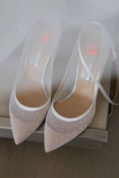 bridal shoes // sheer white wedding shoes with polka dots Pretty Shoes, Beautiful Shoes, Cute Shoes, Me Too Shoes, Daily Shoes, Shoe Boots, Shoes Heels, High Heels, Flat Shoes