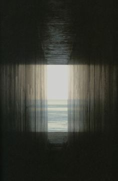 photo by Hiroshi Sugimoto - great inspiration for a all-ink painting Photo D Art, Foto Art, Hiroshi Sugimoto, Foto Real, Light And Shadow, Oeuvre D'art, Fine Art Photography, Artistic Photography, Les Oeuvres