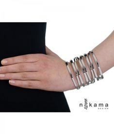 Vapaus Olla -käsirengas | Rannekorujen aatelia | Nikama Design Oy Diamond, Bracelets, Jewelry, Design, Fashion, Moda, Jewlery, Jewerly, Fashion Styles