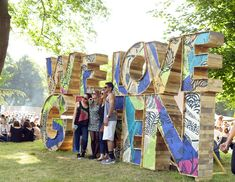 Appel à Projets : workshop Festival We Love Green - Ultra Music Festival - Bühnen Design, Booth Design, Event Design, Ultra Music Festival, Festival D'art, We Love Green Festival, Menue Design, Palette Deco, Street Installation