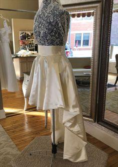 Retro Wedding Dresses, Wedding Dress Backs, Wedding Dress Trends, Ballet Skirt, Skirts, Modern, Unique, Vintage, Design