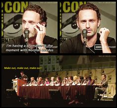 Andrew Lincoln is having a bromance with Norman Reedus @ the SD Comic Con Walking Dead Zombies, Fear The Walking Dead, Walking Dead Quotes, Daryl Dies, Twd Memes, Dead Inside, Stuff And Thangs, Andrew Lincoln, Norman Reedus