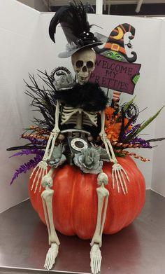 Fete Halloween, Halloween Porch, Halloween Skeletons, Halloween Projects, Diy Halloween Decorations, Holidays Halloween, Easy Halloween, Halloween Pumpkins, Arte Country