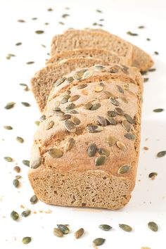 Easy Rye and Spelt Bread. Everybody can make this bread! This recipe only requires a bowl a spoon and a loaf pan. It's much healthier than white bread. Spelt Bread, Vegan Bread, Rye Bread, Spelt Flour, Rye Flour, Sourdough Bread, Croissants, Naan, Raw Food Recipes