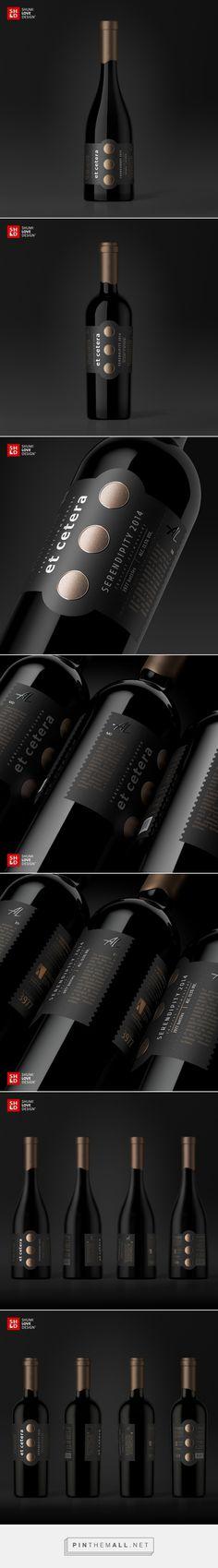 Et Cetera Premium wine label design by Shumi Love Design - http://www.packagingoftheworld.com/2016/12/et-cetera-premium.html