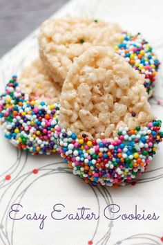 Easter egg Rice Krispie treats with sprinkles #recipe #easter