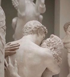 Statues ... White Aesthetic, Aesthetic Art, Aesthetic Pictures, Love Statue, Greek Statues, Angel Statues, Art Ancien, Image Film, Classical Art