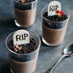 Halloweendessert: Chokladmousse och gravstenar