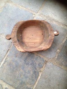 Oude houten schaal met handvaten nr 2