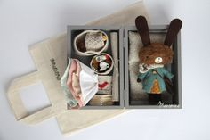 love the box with everything in it.... Mini bunny set: Limia