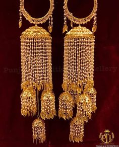Gold Finished Pearl Pippal Patti Bridal Kalira By Punjabi Traditional Jewellery Wedding Chura, Bridal Wedding Dresses, Wedding Ties, Urban Jewelry, Hand Jewelry, Bridal Bangles, Bridal Jewelry, Punjabi Traditional Jewellery, Bridal Chuda