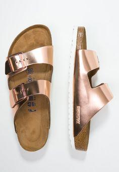Genieße den Metallic-Trend jederzeit und überall. Birkenstock ARIZONA - Pantolette flach - metallic copper für 69,95 € (09.05.16) versandkostenfrei bei Zalando bestellen.