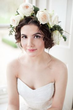Beautiful wedding hairstyle with flower crown 00003 Flower Crown Wedding, Wedding Hair Flowers, Flowers In Hair, Flower Crowns, Loose Hairstyles, Wedding Hairstyles, Bridal Makeup, Wedding Makeup, Bouquet Images