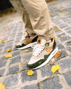 Sneakers – Nike Air Max 1 Image Description Carhartt x Nike Air Max 1 Air Max 1, Nike Air Max, Best Sneakers, Sneakers Fashion, Sneakers Nike, Custom Sneakers, Fly Shoes, Kicks Shoes, Hypebeast