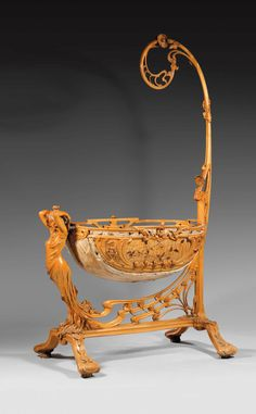 Cradle of wood in Art Nouveau style. French wooden cradle in Art Nouveau style. Victorian Furniture, Old Furniture, Baby Furniture, Unique Furniture, Vintage Furniture, Furniture Decor, Muebles Estilo Art Nouveau, Wooden Cradle, Design Art Nouveau