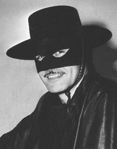 Guy Williams as 'ZORRO .. the series premiered on October 10, 1957 on ABC. The final network broadcast was July 2, 1959. Seventy-eight episodes were produced, and 4 hour-long specials were aired on the Walt Disney anthology series between October 30, 1960 and April 2, 1961.