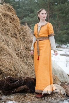 Medieval dark-ages travel dress and underdress