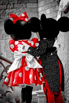 Nothing like the love between Mickey and Minnie