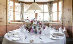 Winterstellgut - Hochzeitslocation in Salzburg Salzburg, Indoor Outdoor, Winter, Table Settings, Winter Time, Place Settings, Inside Outside, Winter Fashion, Tablescapes