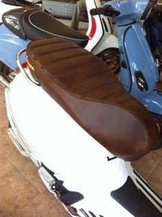 Leather seat costum vespa sprint