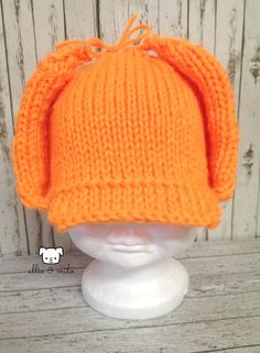 Blaze orange~ perfect for the little outdoors boy/girl in your life! The ear flaps are tied up but can also be let down. This hat is made with soft yarn and is doubled so your little one stays warm!  Sizes available: Newborn, 0-3 months, 3-6 months, 6-12 months and 1-3 years.  #hunting  #coupon  #Halloween  #huntinghat