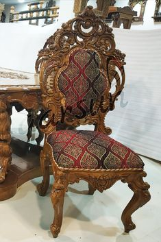 Filling the Dining area with the beautiful creation of wood. Transform your dining area with this dual carved dining chair. 6 Seater Dining Table, Dining Set, Dining Chairs, Luxury Dining Chair, Dining Room Furniture, Gold Polish, Teak Wood, Versailles, Carving