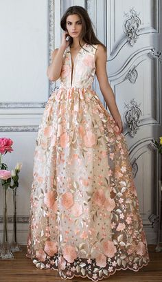 KATE FLORAL GOWN (Peach)