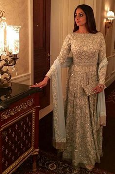 The Fabulous Siri U will be missed Pakistani Formal Dresses, Pakistani Outfits, Indian Outfits, Indian Dress Up, Indian Attire, Indian Wear, Mode Bollywood, Bollywood Fashion, Bollywood Style