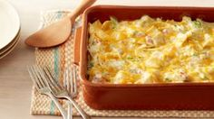 Skinny Chicken Tortilla Casserole - easy, satisfying dinner that's low on ingredients and effort, this casserole, packed with Southwest flavor, fits the bill! Chicken Tortilla Casserole, Casserole Recipes, Tortilla Bake, Enchilada Casserole, Chicken Enchiladas, Bean Enchiladas, Noodle Casserole, Chicken Quesadillas, Mexican Dishes