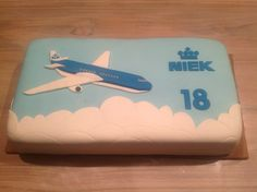KLM airplane cake